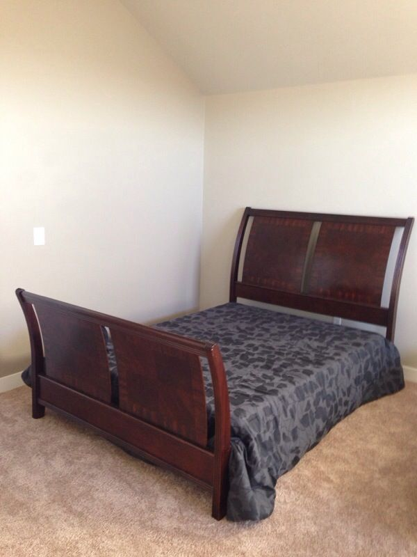 Set furniture in kent wa offerup for Offer up furniture