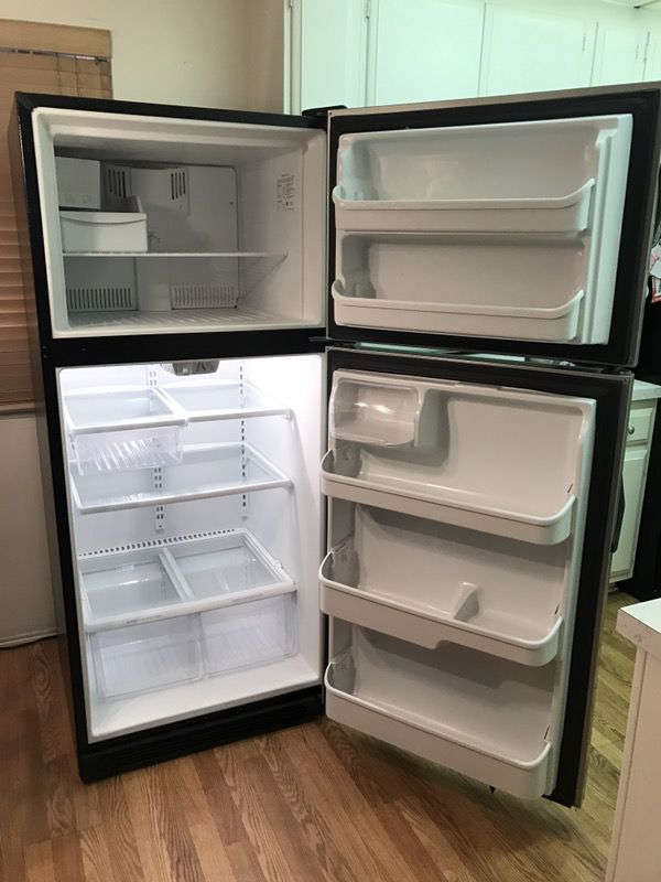 Frigidaire 20cu ft Apartment Size Refrigerator With Ice Maker ...
