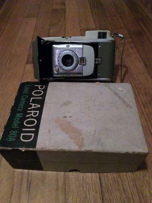 Vintage Polaroid in great shape. Model 80A