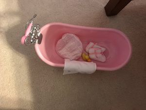 American girl doll (our Generation) play bathtub set with accessories
