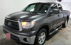 Toyota Tundra Con Enganche De $2500