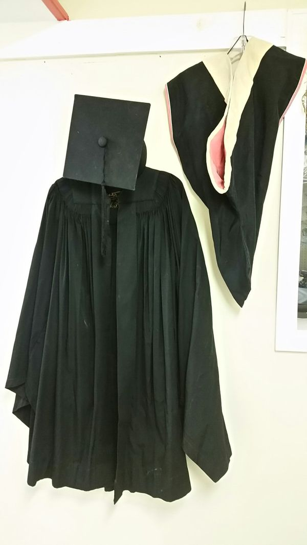 Famous Graduation Gown And Hood Picture Collection - Best Evening ...