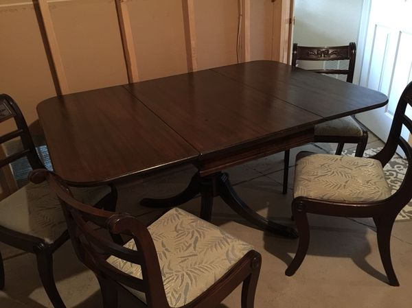 Dining Room Set Duncan Phyfe Style