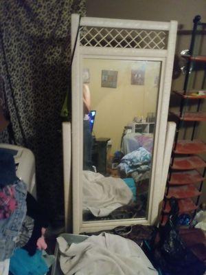 White wicker mirror in pretty good condition
