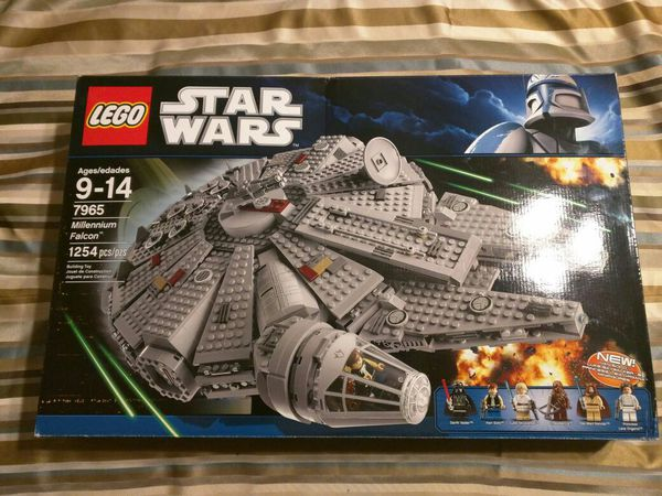 Lego Star Wars Millennium falcon 7965 (Collectibles) in Florence, AZ