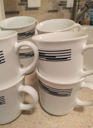 8 teacups/ coffee mugs