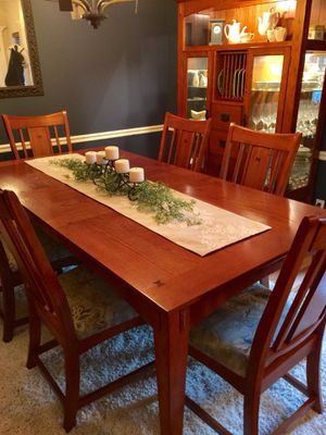 Dining Table1 Leaf 8 Chairs China Hutch