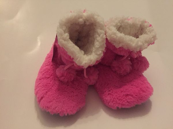 New super soft little girl slippers size m 2-3 (Baby   Kids) in  Indianapolis 2733d3c5b