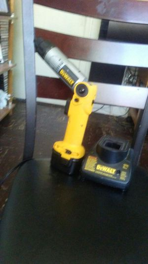 DeWalt heavy duty screwdriver with charger