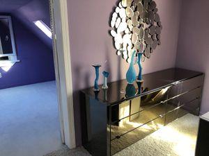 Mirrored dresser luxurious