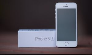 iPhone 5s unlocked with box