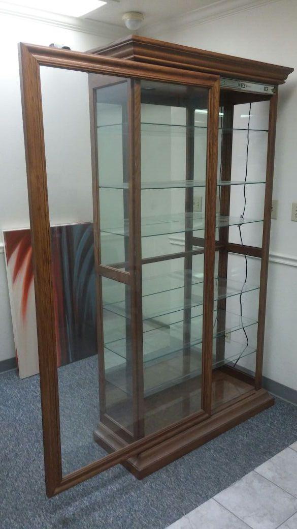 Offerup Las Vegas >> Curio Cabinet Lighted Philip Reinisch 58171 (Furniture) in ...