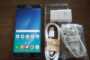 Galaxy Note 5 w/ Accessories (UNLOCKED)