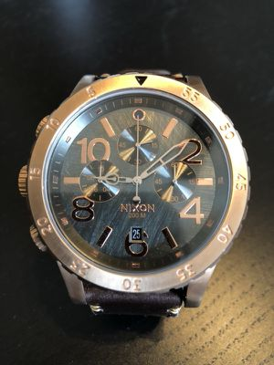 Nixon Chrono 48-20 Gold and leather Watch