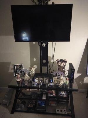 Vendo mesa y tv
