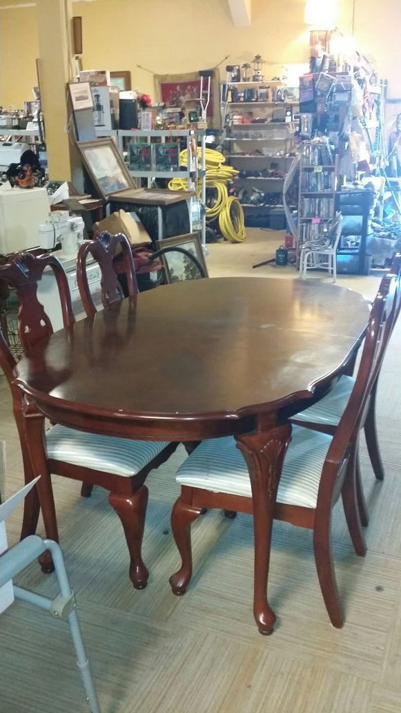 Solid cherry dining room table and chairs furniture in for Cherry dining room chairs