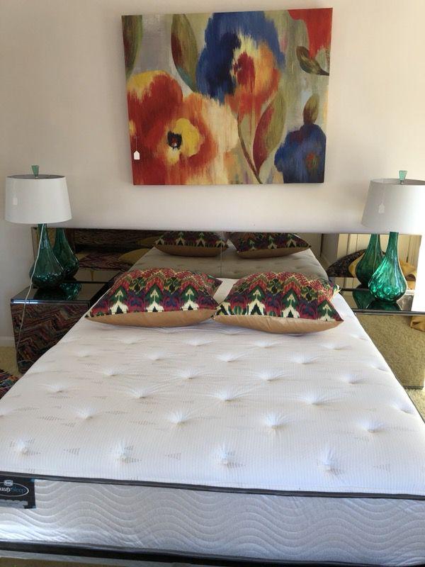 Queen mattress memory foam and gel
