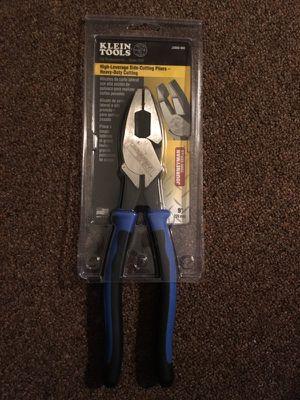 Lot of 10 klein Tools Pliers, trade for a Dewalt 20v Flex combo set