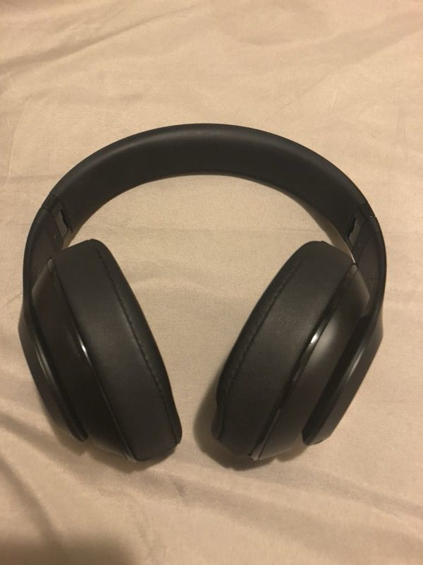 Wireless Limited Edition Black Matte Beats