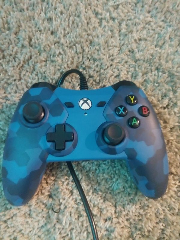 Xbox One wired controller (Video Games) in La Quinta, CA