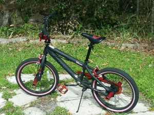 RAZOR 21860 Boys Black Label Free Style Bike, 18""