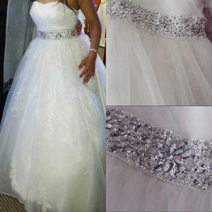Ball Gown Sweetheart Wedding Dress - Size 6
