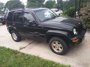 Jeep liberty 2002 limited 4x4 engine bad. Motor problable mente tiene k ser remplasado
