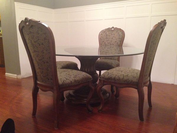 Dining room set furniture in itasca il offerup for R way dining room furniture