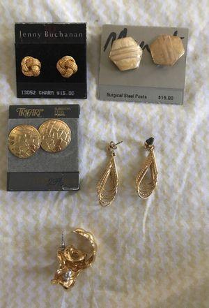 Five very Beautiful sets of earrings /. Very good brands
