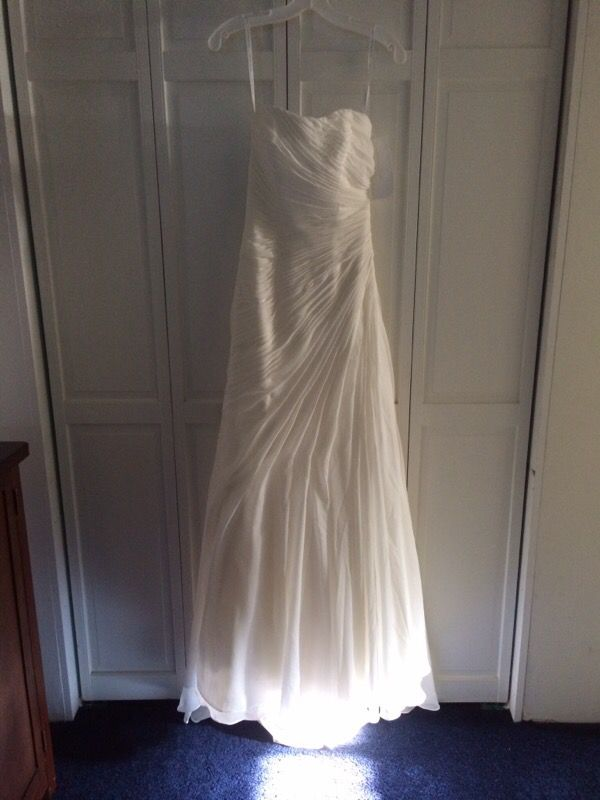 Wedding Dress Never Worn Clothing Shoes In Seattle Wa
