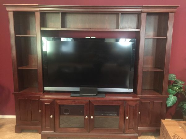 TV wall unit holds a 55 inch TV (Furniture) in Las Vegas, NV