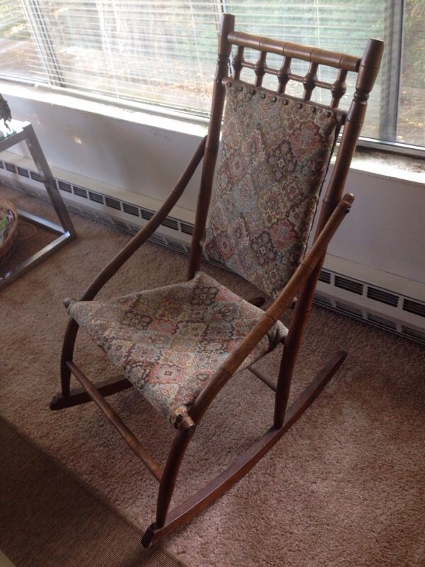 Vintage rocking chair furniture in seattle wa offerup for Furniture refinishing seattle