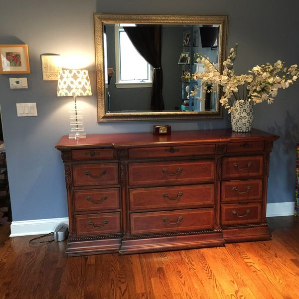 King bedroom set furniture in chicago il offerup for R way bedroom furniture