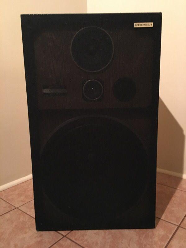 pioneer floor standing speakers. vintage pioneer floor standing speaker system. cs-g403 speakers
