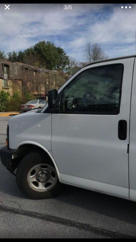 Chevy Express Cargo Van 2003