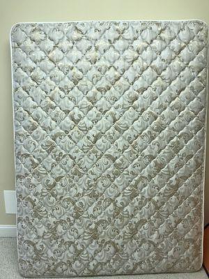 Serta queen mattress - used