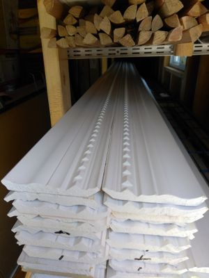 Colonial Crow molding 5 1/4 X16 ft $3 per ft