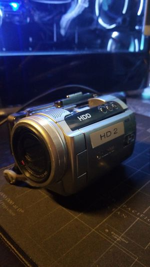 Canon HD Camcorder 40GB with Hotshoe Directional Microphone