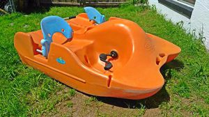 Future Beach Water Bee Paddle Boat