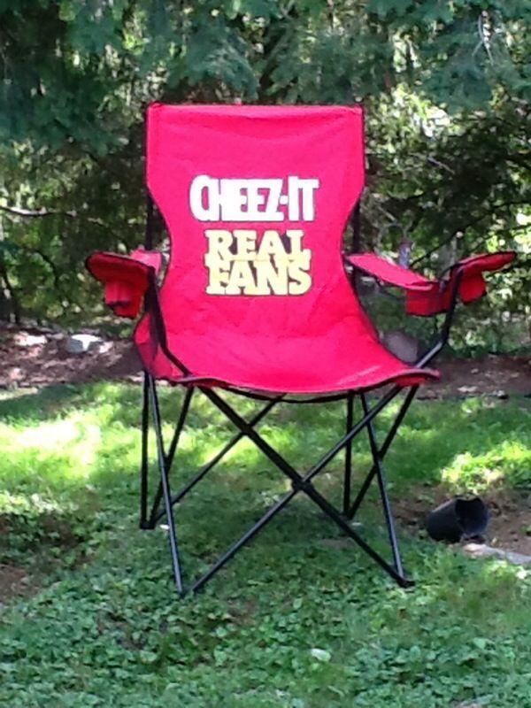 Cheez it lawn chair Sports Outdoors in Auburn WA OfferUp