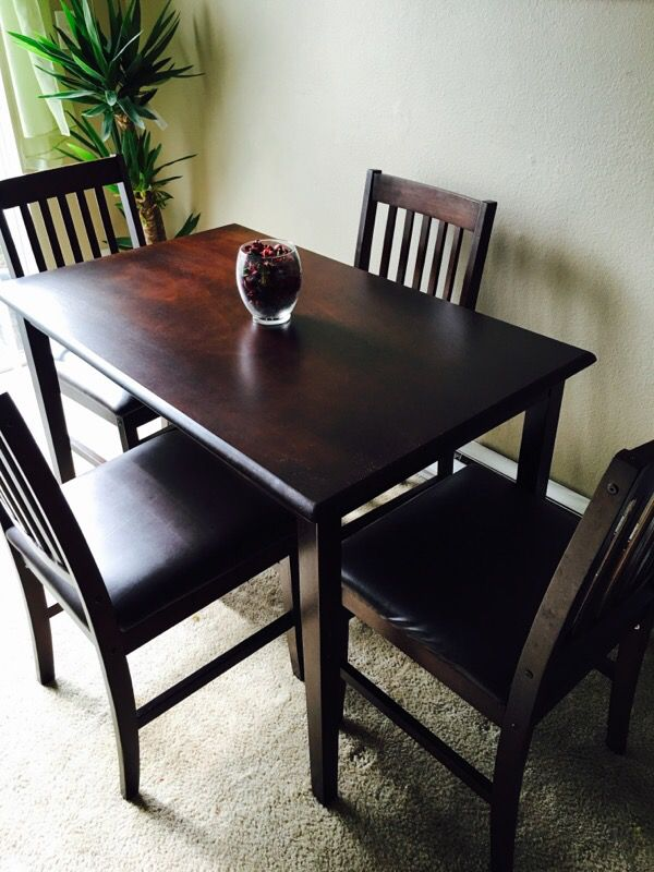 Dining table and 4 chairs furniture in auburn wa offerup for Furniture auburn wa