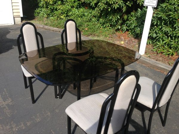 Dining room table and chairs furniture in federal way for Furniture federal way