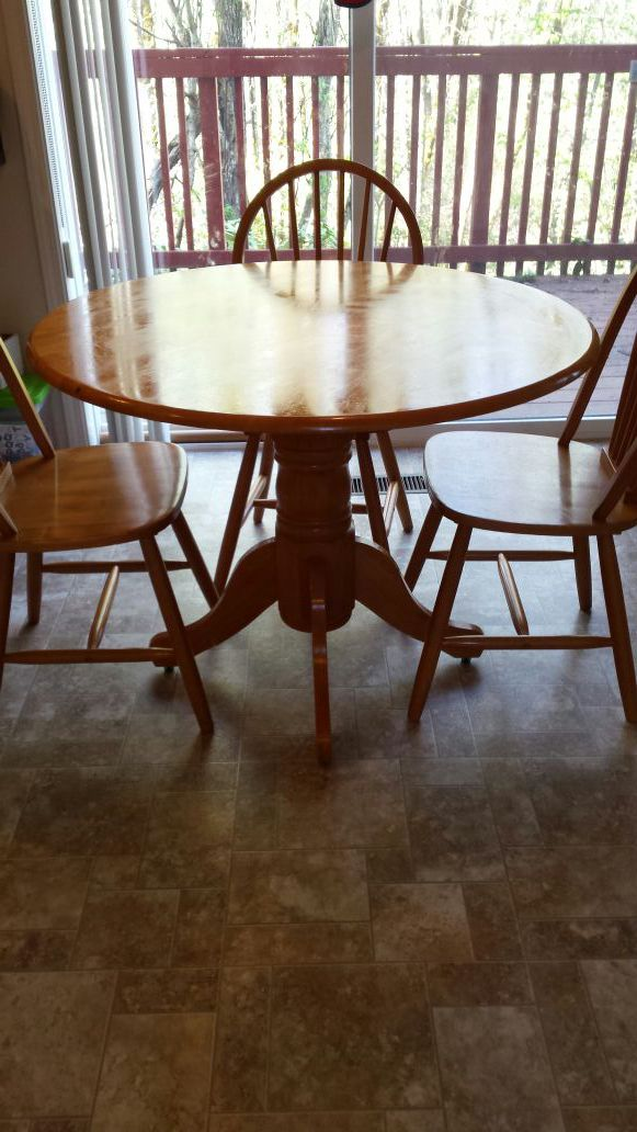 wood round table furniture in us offerup