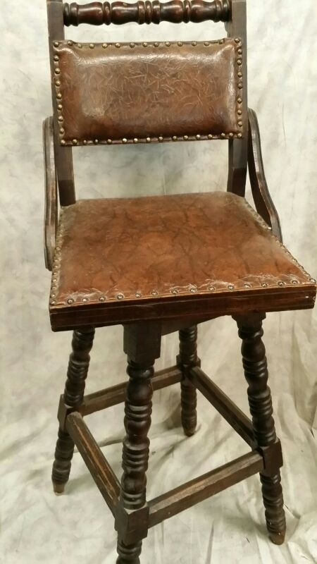 Chair furniture in chicago il offerup for Furniture 60614