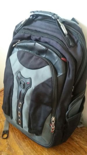 NICE SWISS GEAR BACKPAK EXCELLENT CONDITION