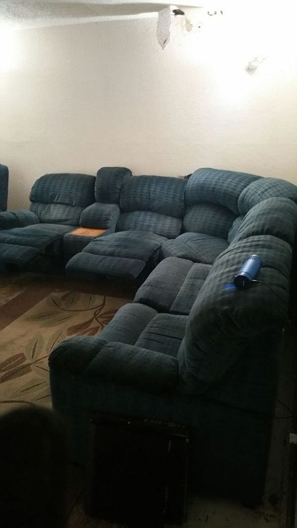 Sectional couch and recliner furniture in everett wa for Sectional couches everett wa