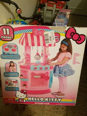 Brand new in box hello kitty cafe