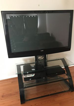 Sanyo flat screen tv and stand