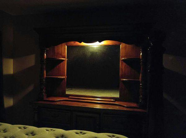 Vintage Paul Bunyan King Size Bedroom Set ( Furniture ) in ...