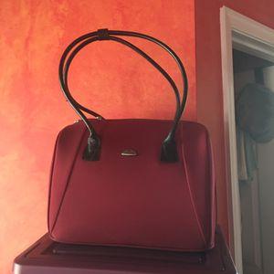 Samsonite bag for professional ladies with laptop area
